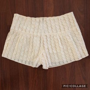 💗💗Cute lined lace shorts!